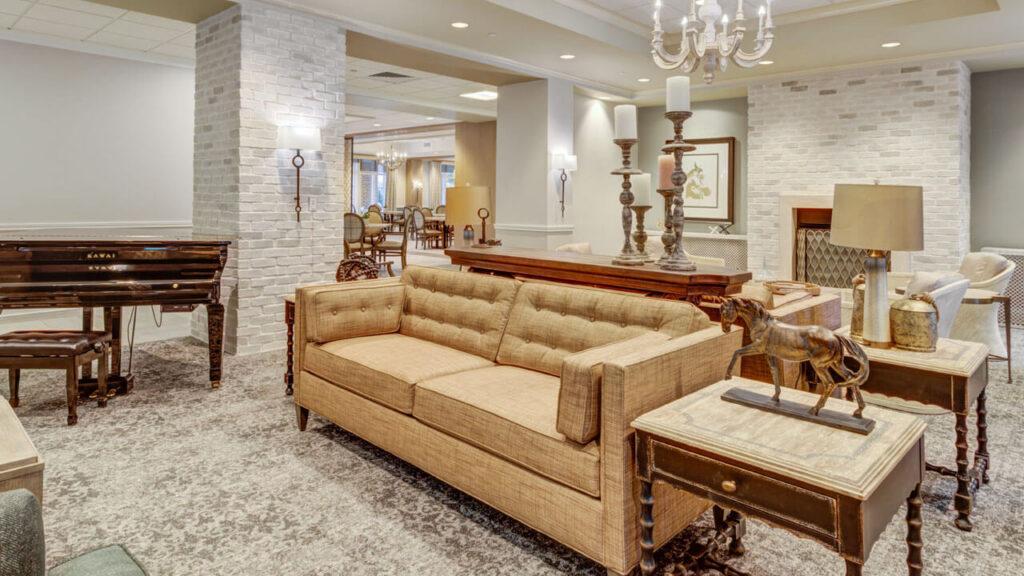 Hunters Creek - Lounge