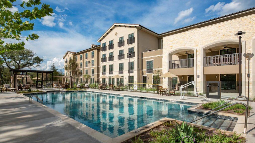 Belmont Village Lakeway - Exterior Pool