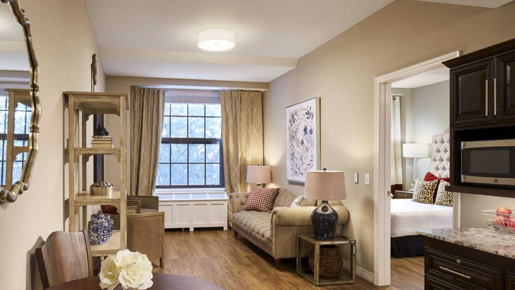 Lincoln Park - Living Room